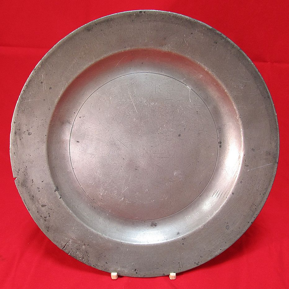 & Antique English Pewter Plate : The Steffen Collection | Ruby Lane