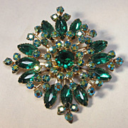 Lovely Sun Burst Green Rhinestone Brooch