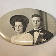 Wedding souvenir Photo Pin/Mirror