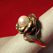 Elegant 14 K Gold Solitaire Pearl Ring