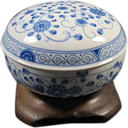 Bavarian [ Germany ) covered porcelain box/bowl
