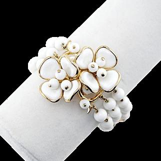 1950s Vintage Trifari Bracelet With White Glass Flowers