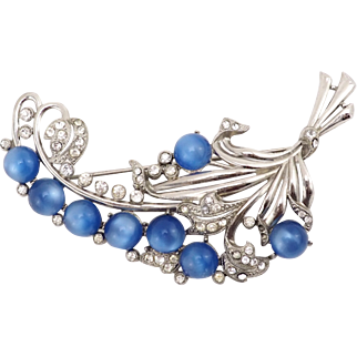 Big 1940s Blue Vintage Moonglow Lucite Brooch With Crystals