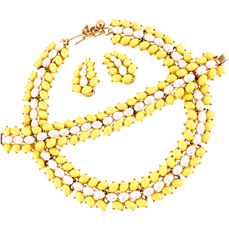 Vintage Trifari Necklace Set With Pretty Yellow Stones and Faux Pearls