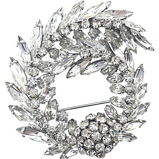 Vintage Sherman Wreath Brooch in Clear Austrian Crystal