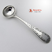 Belleflower Wreath Salt Spoon A H Miller Chicago Coin Silver Monogram A