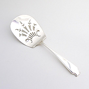 Saint Martins Pierced Server Whiting Sterling Silver