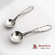Pair of Individual Salt Spoons 830 Standard Silver Beaded Rim 1930