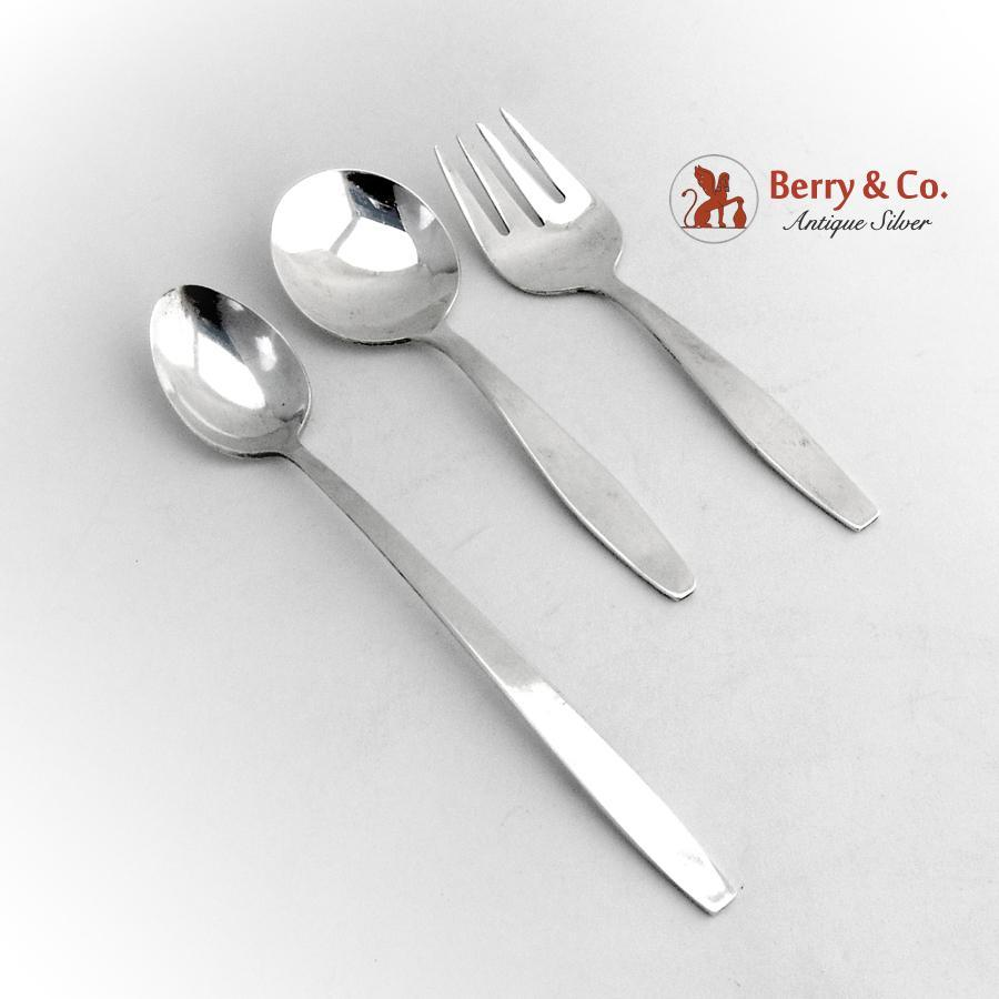 Baby flatware set spoon fork infant feeding spoon towle for Sterling silver baby spoon and fork
