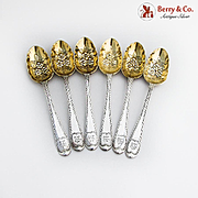 Repousse Floral Dessert Spoons Set Gilt Bowls Sterling Silver 1870 London
