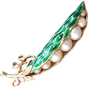Rare TRIFARI Emerald Green Enamel Peapod Pea in Pod Brooch Pin - Alfred Philippe