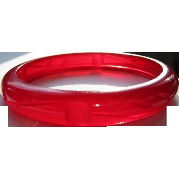 Deco Cherry Juice Bakelite Bracelet, Vintage Carved Prystal