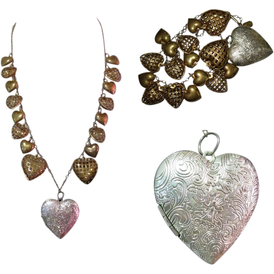 Pididdly links necklace heart charms valentine 1970 39 s for Best place to sell gold jewelry in chicago