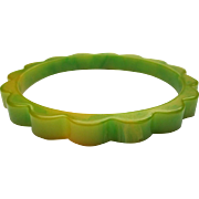 Deco Bakelite Daisy Bracelet, Scalloped Bangle, Green Marbled