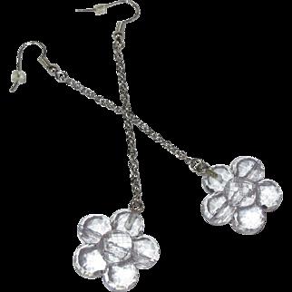 Vintage Daisy Earrings, Clear Plastic Shoulder Dusters