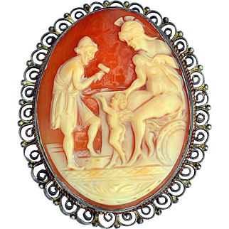 Antique Early 1800s Finely Carved &  Detailed Cameo Pendant Pin with Cupid