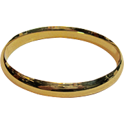 Gorgeous Polished Hinged Bangle Bracelet in 14K Yellow Gold with Sliding Bar