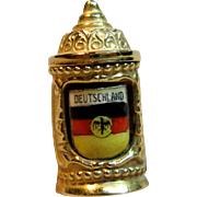 Charming Vintage 3D Beer Stein Charm/Pendant in 9K Yellow Gold