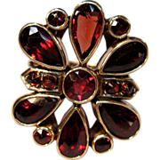 Remarkable Vintage Garnet Ring in 10K Yellow Gold