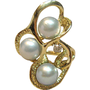 Classy Cultured Pearl Ring with a Diamond in 14K Yellow Gold