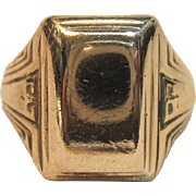 Art Deco Design Signet Ring in 10K Yellow Gold Circa 1930's