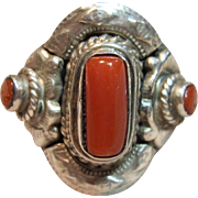 Outstanding Vintage Coral Ring in Sterling Silver