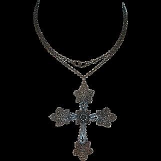 "Berlin Iron Giess Vine Leaf 3.5"" Cross & Chain, Pristine"