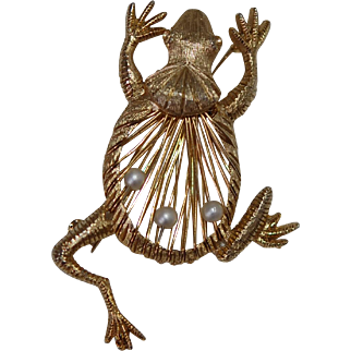 Gold Leaping Frog Pin