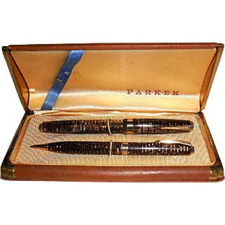 1930s Parker Brothers Jeweled Vacumatic Fountain Pen Set Never Used