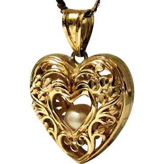 14K YG 3-D Heart Pendant with Floating Cultured Akoya Pearl Inside