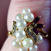 14K YG Cultured Pearl Cluster Ring with Rubies, Size 7 1/4