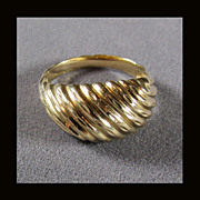 14K Swirled Gold Ring Size 7 1/8