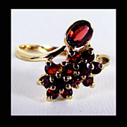 14K Yellow Gold Red Garnet Ring Size 7