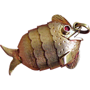 """18K YG Articulated """"Wiggly"""" Fish Pendant"""