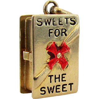 """1950's 14k YG """"Sweets for the Sweet""""  Charm - Gift Box of Chocolate Candy Opens"""