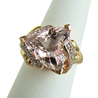 14K Morganite & Diamonds Ring