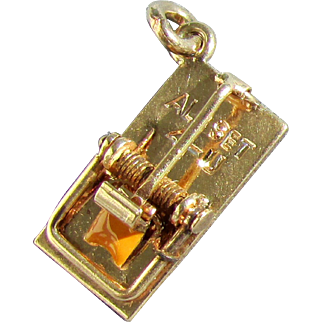 "14K Walter Lampl Mouse Trap Charm, ""ALL SET 4-U"""