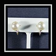 Antique 14K Yellow Gold Salt Water Cultured Pearl Earrings with Screw Backs