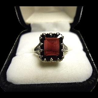 Rhodolite Garnet Ring - Purple Red - Emerald cut - Vintage 14k White Gold Filigree
