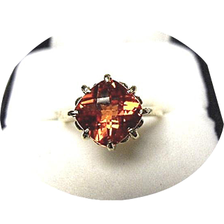 Padparadscha - Checkerboard Cut 14k Ring - 3.70 CT. - Bright Orange-Red - 14k Yellow Gold