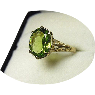 PERIDOT - 2.30 Ct Ring - Natural Earth Gem - Vintage - Art Deco 14k Yellow Gold