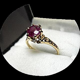 RUBY African - Vintage Engagement Ring - 1.40 Carat - Filigree 14K Yellow Gold