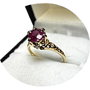 RUBY African - Vintage Engagement Ring - 1.40 Carat - Filigree 14K Yellow Gold