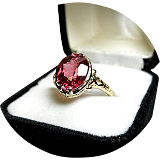 14k Ring - Raspberry Padparadscha Sapphire - 5.5 Carat - Vintage 14k Yellow Gold
