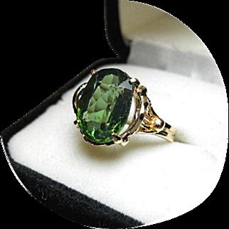 ZIRCON Green - Natural Earth Gem - 6.19 Carat - Vintage 14k Yellow Gold Filigree