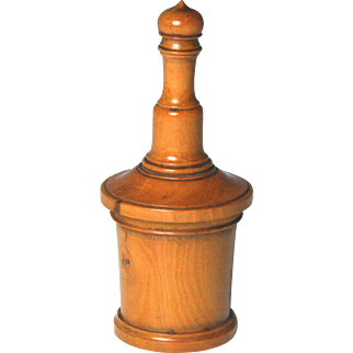Fine Circa 1840 English Hand-Turned Boxwood Glove Powderer