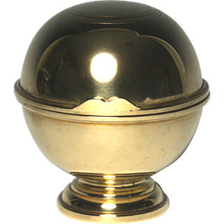 Rare Circa 1820 English Brass Bath Sponge Holder