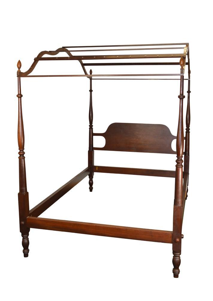 Vintage Mahogany Country Style Period Type Canopy Bed Full