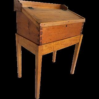 Antique 1800s Pine Dovetailed Primitive Slant Lift Top Child Desk On Frame