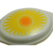 Pyrex Promotional Daisy One Quart Divided Casserole